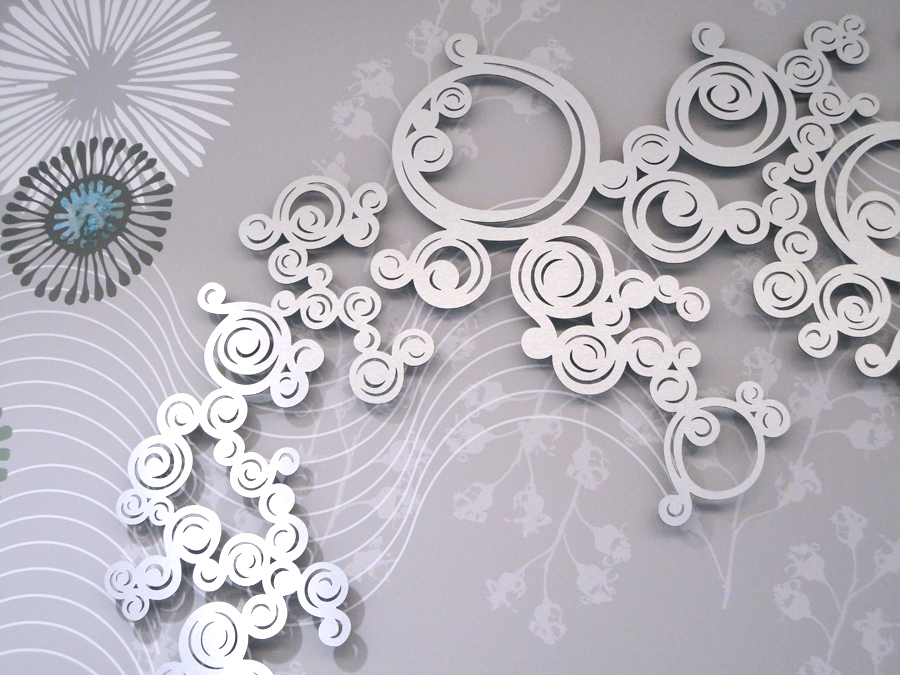 D tail de la fresque abysses d cor en relief compos de volutes en m tal - Decoration murale en metal design ...