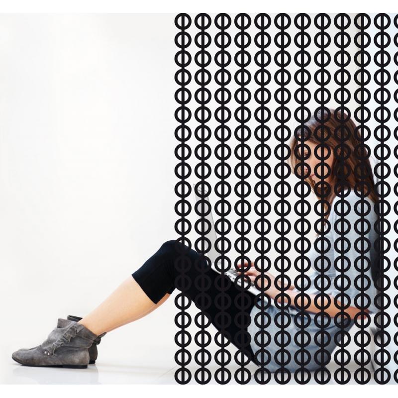Film adhésif décoratif pour vitres. Trame cercles, design Sophie Briand-Collet.