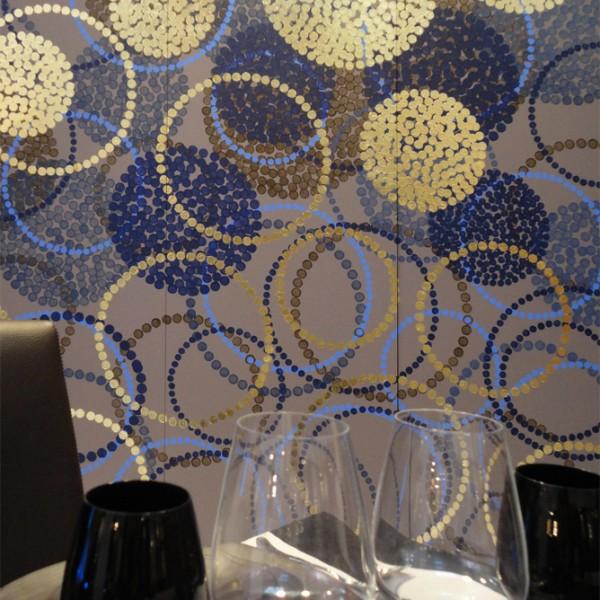 création murale contemporaine, panneau mural, panneau décoratif, décor panoramique personnalisé, habiller les murs d'un restaurant, design Sophie Briand