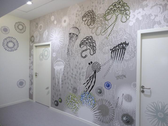 Décor mural panoramique, papier peint personnalisé, décoration murale sur mesure, habillage mural original et unique, tableau très grand format. Design mural de Sophie Briand